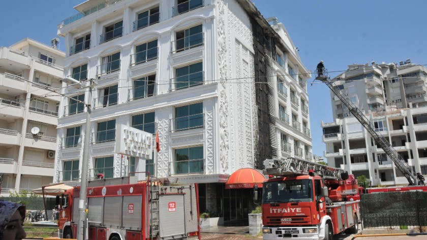 Antalya'daki otelde korkutan yangın! Müşteriler tahliye edildi
