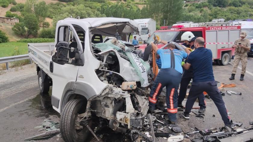 Bitlis'te feci kaza: 2 ölü, 3 yaralı