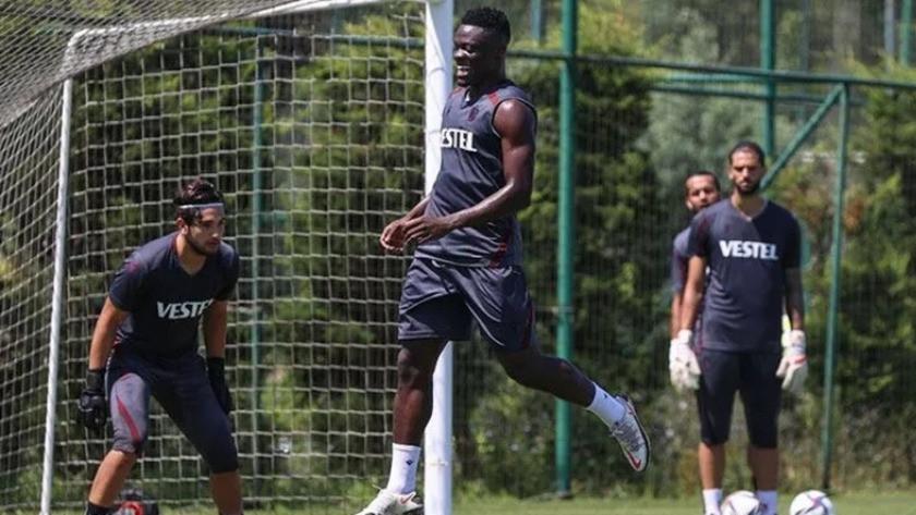 Trabzonspor yıldızını kaybetti! Ekuban transferi resmen açıklandı