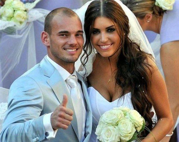 Galatasaray'ın efsane futbolcusu Sneijder'in eski eşi Yolanthe Cabau'dan  lezbiyen ilişki itirafı - Sayfa 1