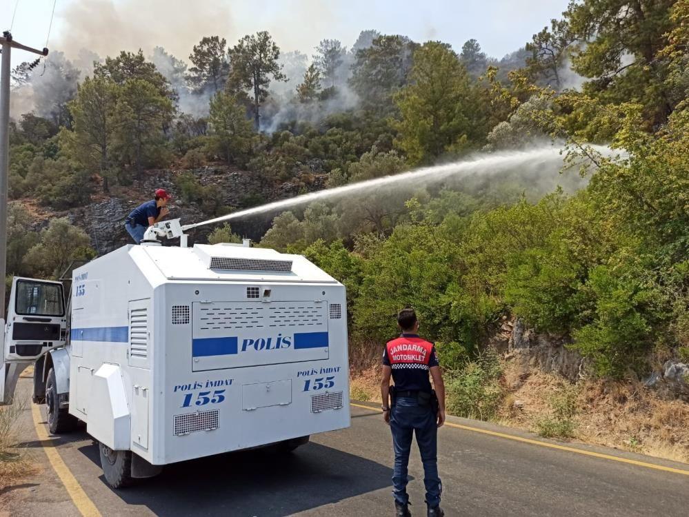 Türkiye alevlere karşı tek yürek! Söndürme ekipleri, asker-polis ve halk omuz omuza - Sayfa 2