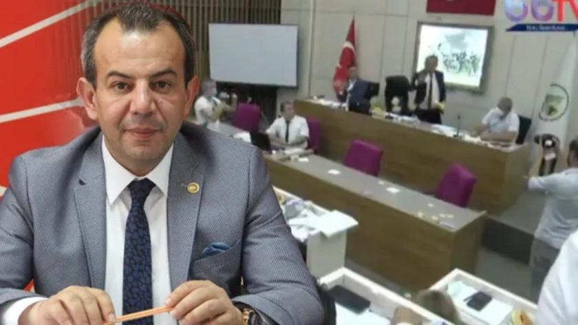 Tanju Özcan, belediye meclisinde AK Parti'li üyelere çay fırlattı