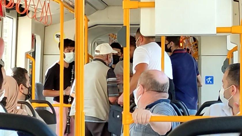 Metroda sokak müzisyeni gerginliği
