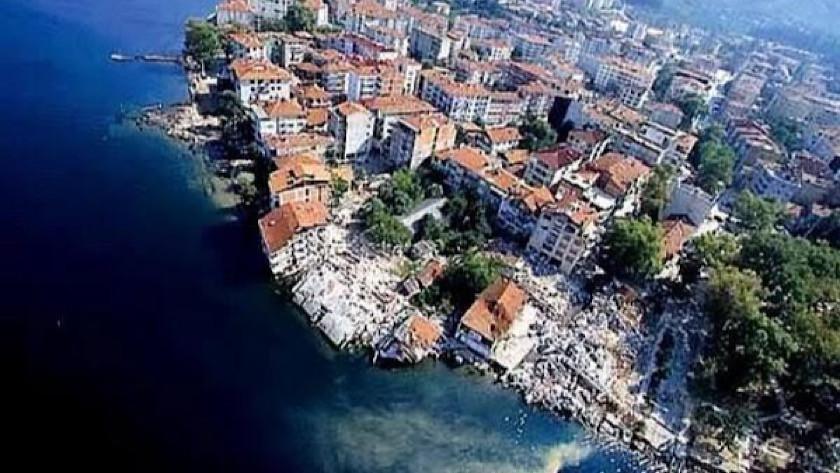 Acılar hala taze! Marmara depreminin üzerinden 22 yıl geçti!