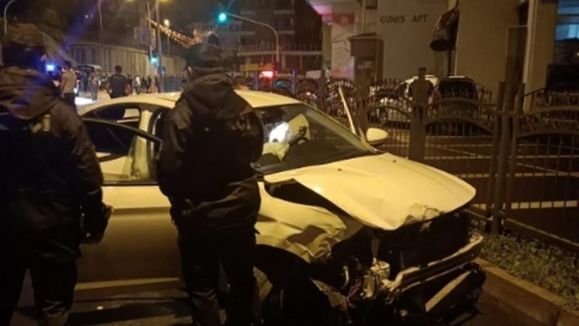 Rize'de alkollü sürücü park halindeki 4 araca çarptı! 4 yaralı