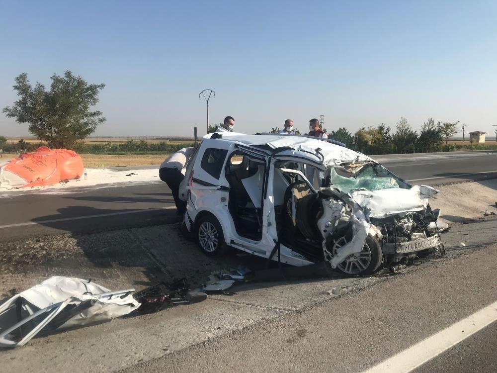 Feci kaza! Konya'da amonyum nitrat yüklü tır ile hafif ticari araç çarpıştı! 6 ölü, 2 yaralı - Sayfa 2