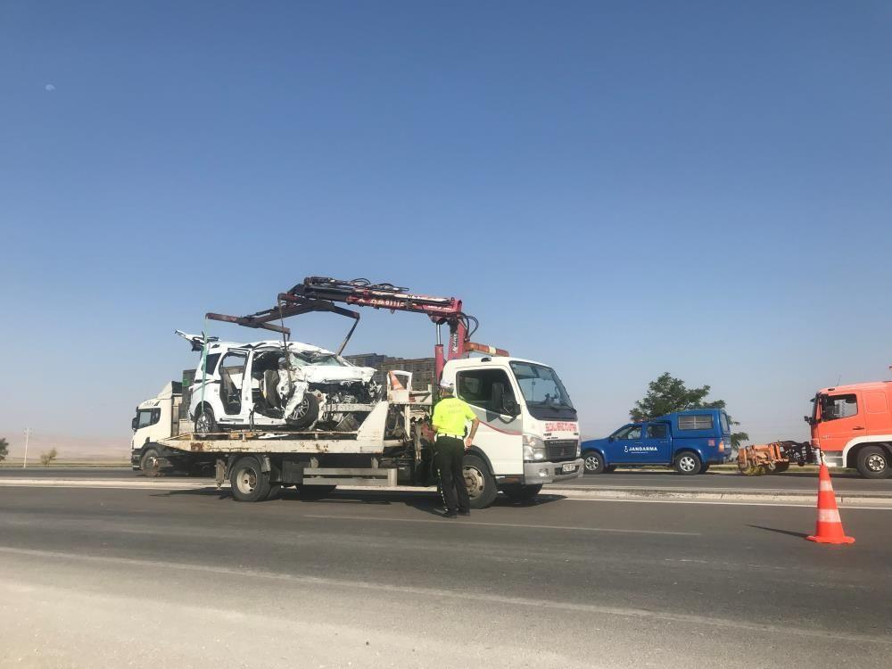 Feci kaza! Konya'da amonyum nitrat yüklü tır ile hafif ticari araç çarpıştı! 6 ölü, 2 yaralı - Sayfa 3