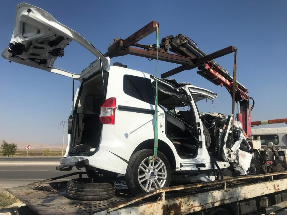 Feci kaza! Konya'da amonyum nitrat yüklü tır ile hafif ticari araç çarpıştı! 6 ölü, 2 yaralı - Sayfa 4