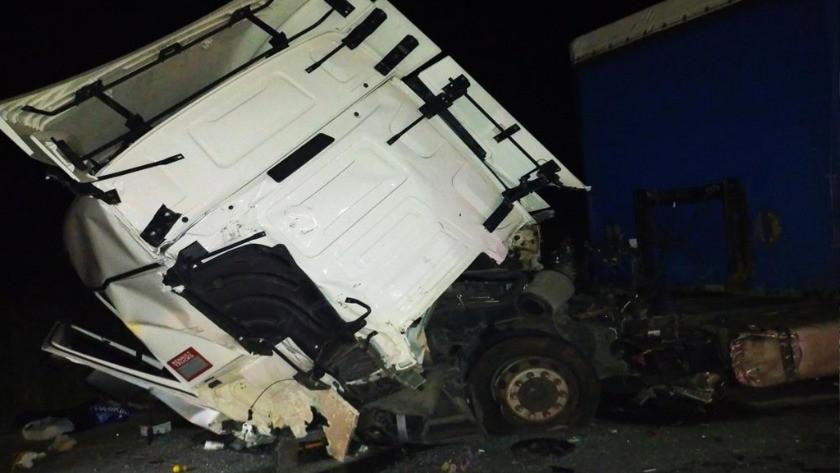Edirne'de feci kaza ! Araç hurdaya döndü