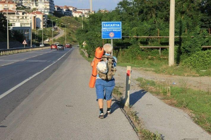 65 yaşında 5 yıldır yürüyerek seyahat ediyor - Sayfa 2