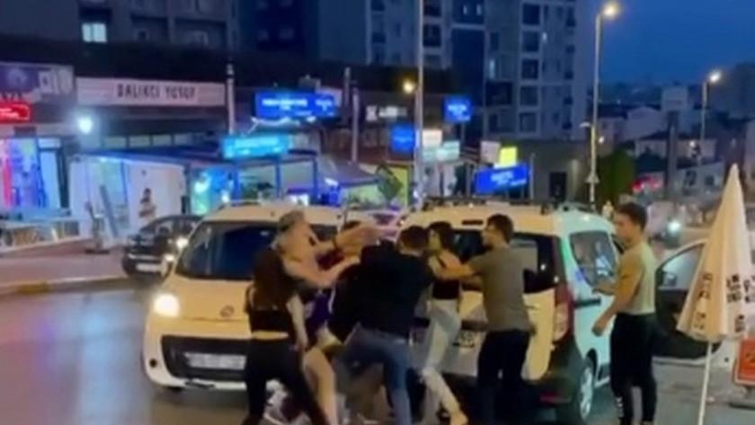 İstanbul'da Tiktok fenomenlerinden sopalı dayak!