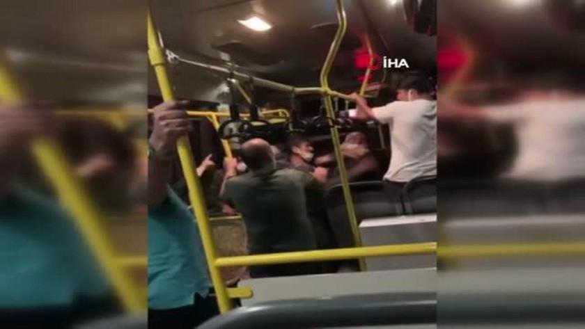 Sakarya'da otobüste tekmeli yumruklu kavga!