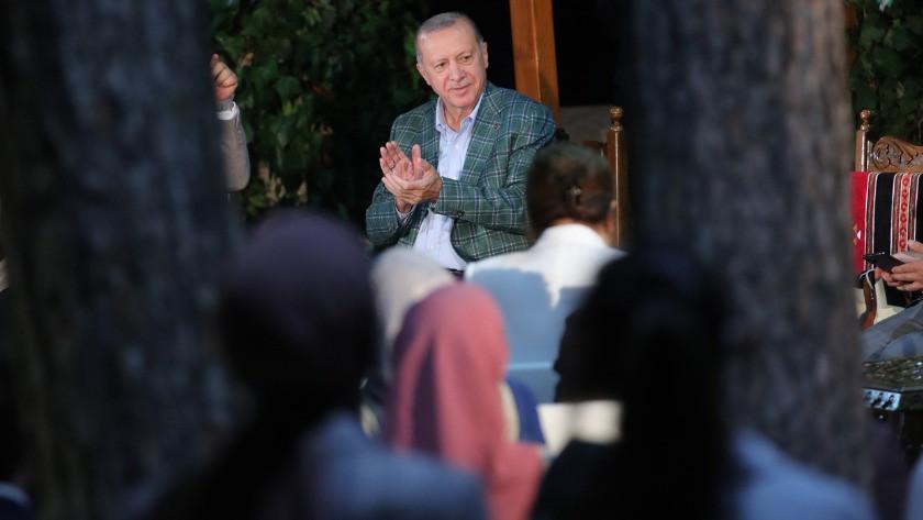 Erdoğan gençlerle şiir gecesinde buluştu