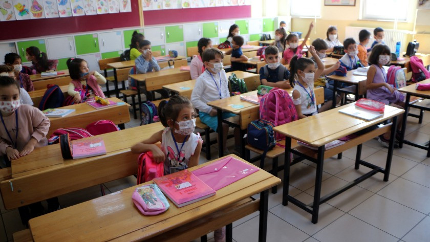 Uzmanlardan uyarı: Sınıflar günde en az 3 kez havalandırılmalı