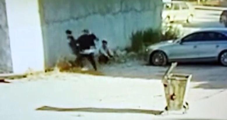 Kız kardeşinin paylaştığı videoda gördüğü çocuğu tekme tokat öldüresiye dövdü - Sayfa 1