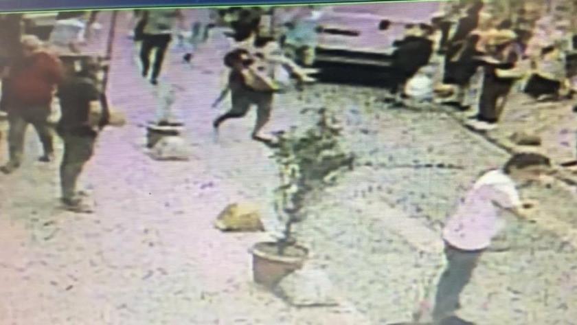 Başından vurduğu hamile eşini kucağında caddeye taşıdı!