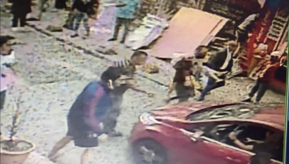 Başından vurduğu hamile eşini kucağında caddeye taşıdı! Dehşet anları kamerada - Sayfa 3