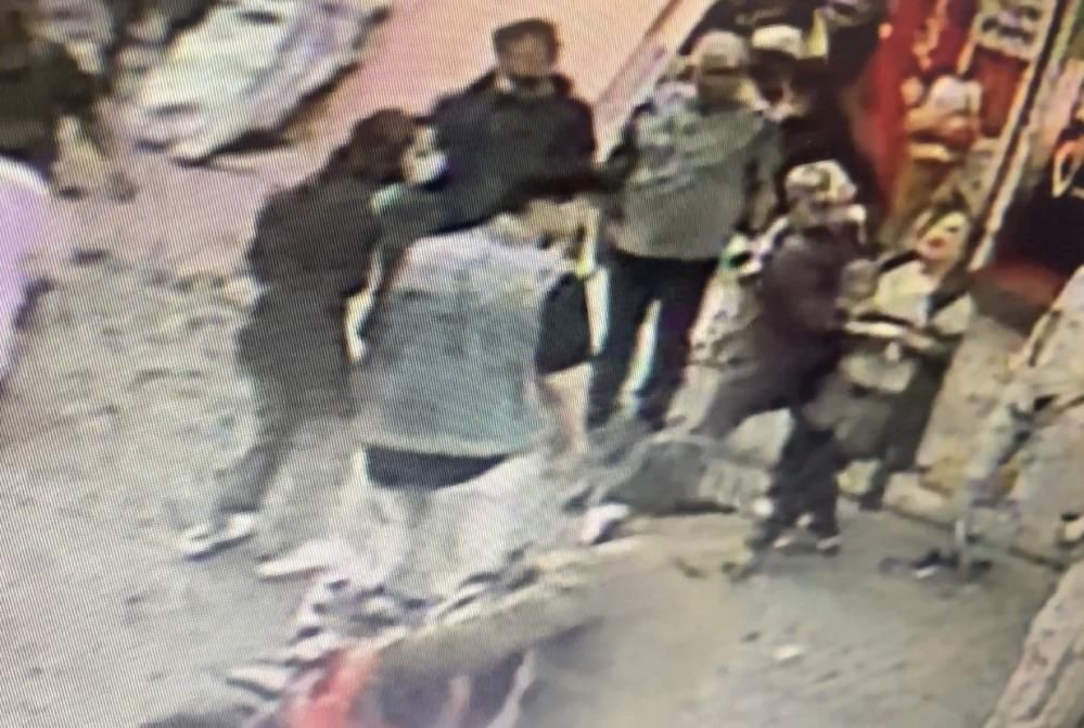 Başından vurduğu hamile eşini kucağında caddeye taşıdı! Dehşet anları kamerada - Sayfa 4