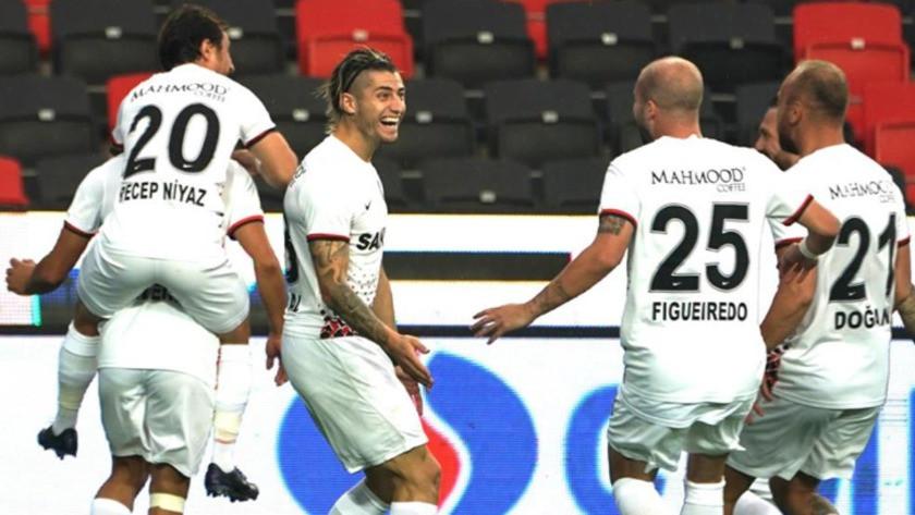 Gaziantep FK, sahasında Başakşehir'i 1-0 mağlup etti