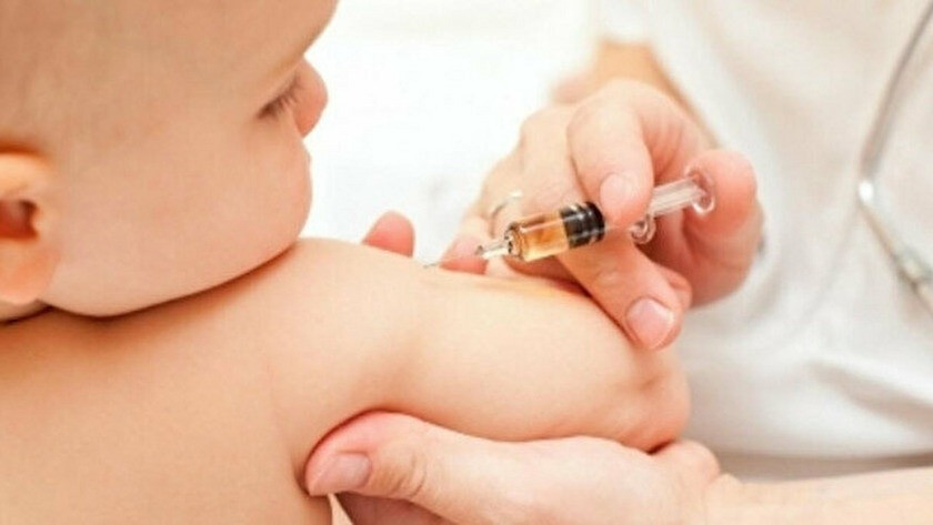 Bebeklere Covid-19 aşısı yapıldığı iddiası hakkında soruşturma