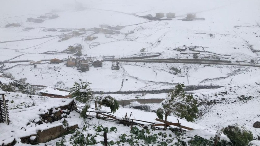 Rize'ye kar yağdı! İşte Rize'den kartpostallık görüntüler