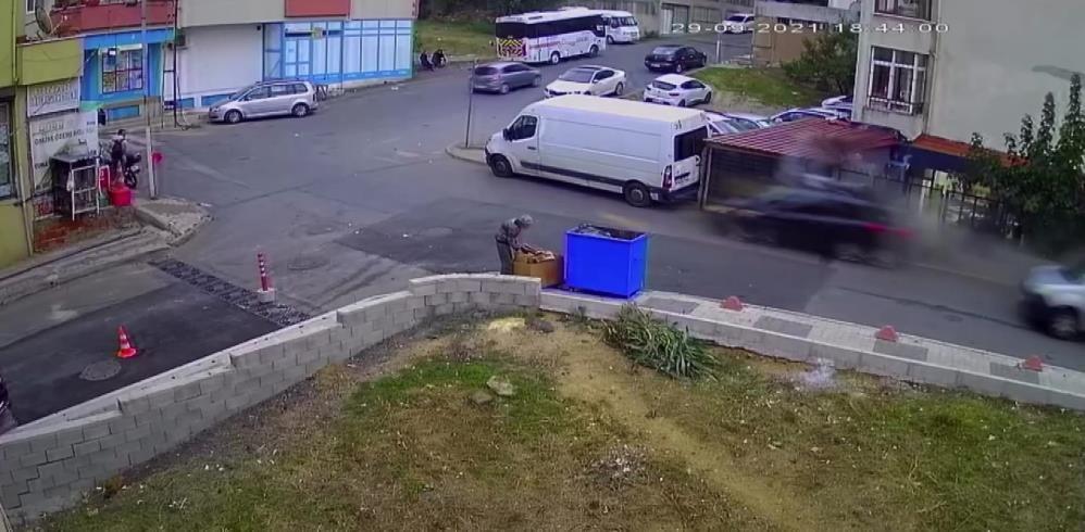 Fren yerine gaza basan sürücü iki can aldı! Kadın ile çocuğun hayatını kaybettiği kaza kamerada - Sayfa 2
