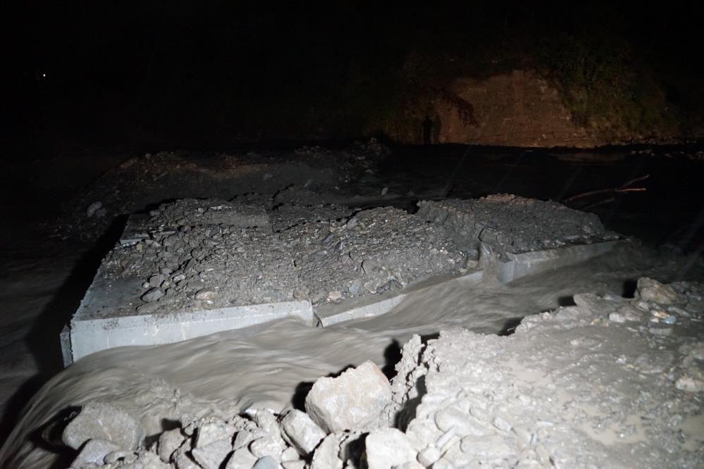 Kastamonu yine sel felaketiyle boğuşuyor! Köprüler zarar gördü, ulaşım kesildi... - Sayfa 1