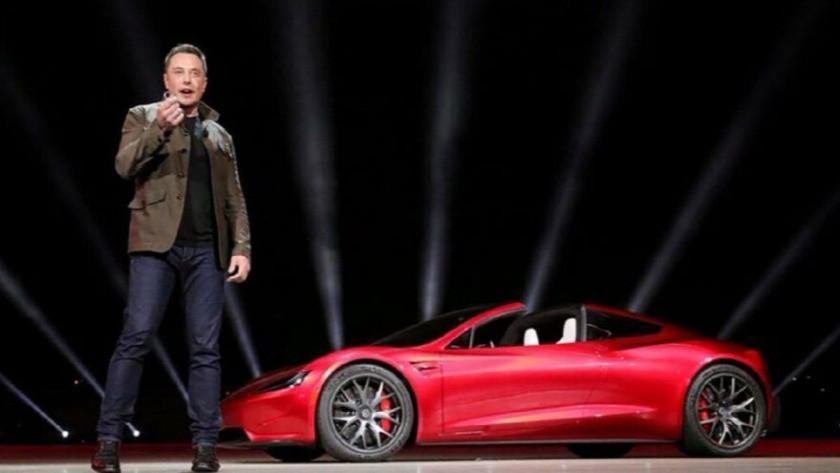 Elon Musk'tan dikkat çeken Tesla kararı