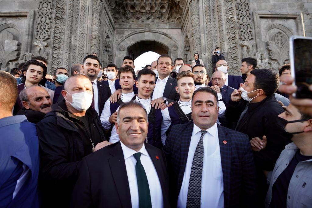 İmamoğlu, Erzurum ziyaretinde vatandaşların yoğun ilgisiyle karşılaştı - Sayfa 2