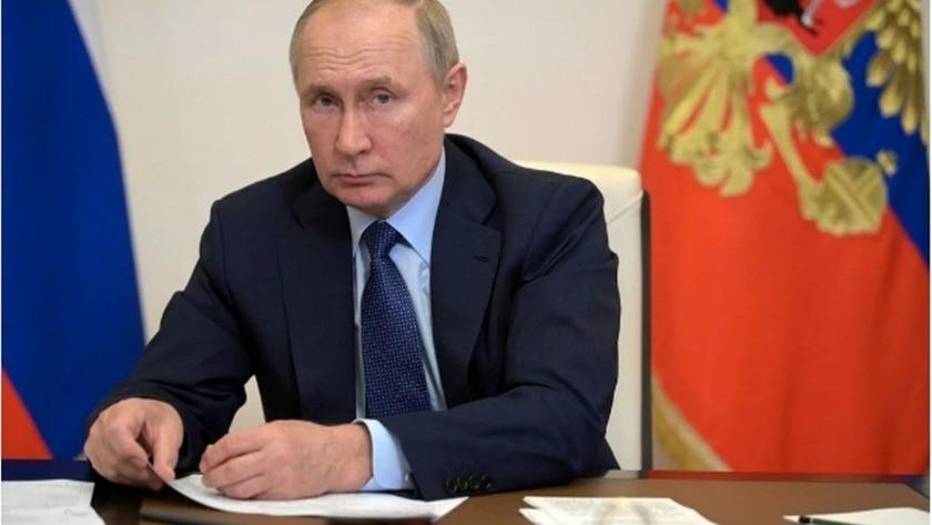 İngiltere'den aşı iddiası: Rus ajanlar formülü çaldı