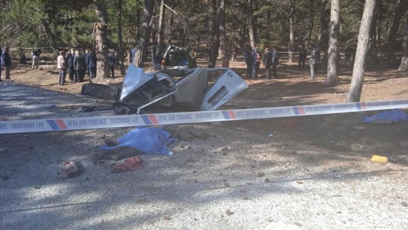 Afyonkarahisar'da feci kaza! Öğrenci servisi devrildi!