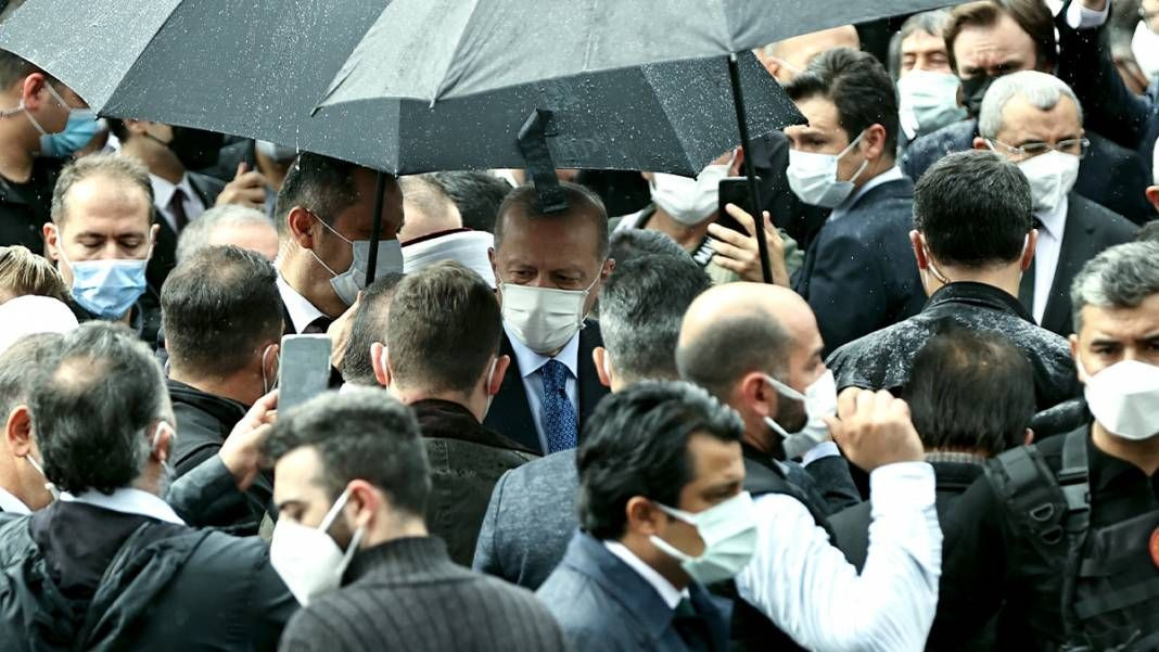 AK Parti İstanbul Milletvekili İsmet Uçma toprağa verildi - Sayfa 2