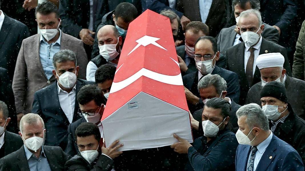 AK Parti İstanbul Milletvekili İsmet Uçma toprağa verildi - Sayfa 3