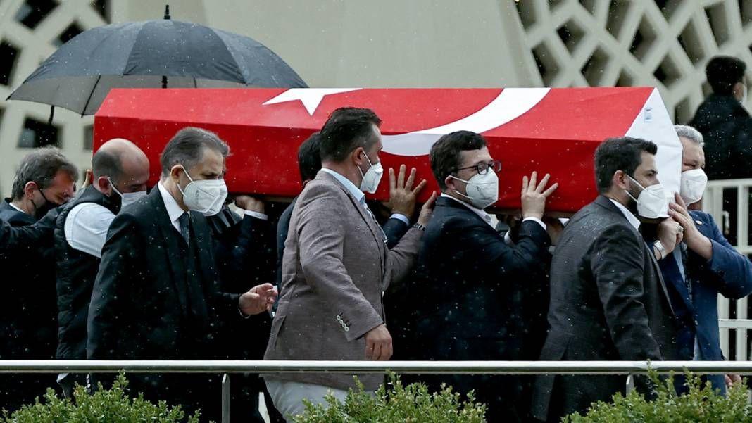 AK Parti İstanbul Milletvekili İsmet Uçma toprağa verildi - Sayfa 4
