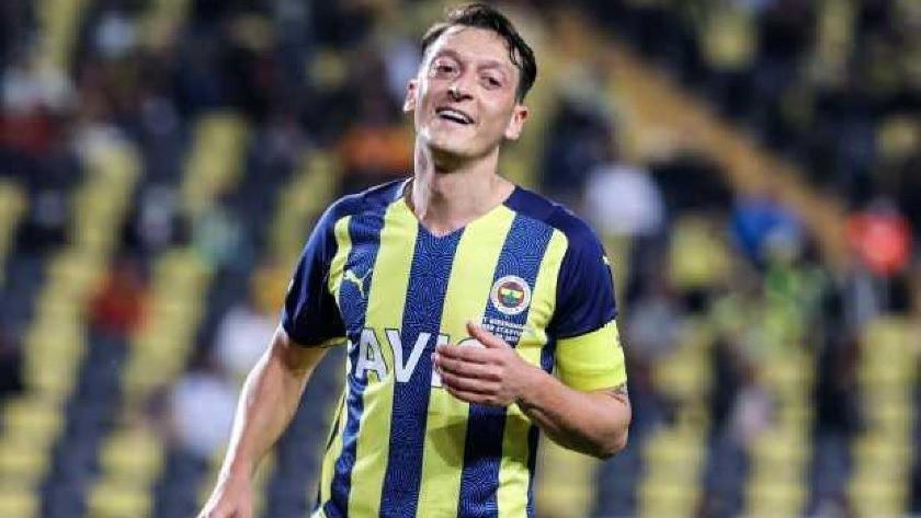 Mesut Özil'den kafa karıştıran soru