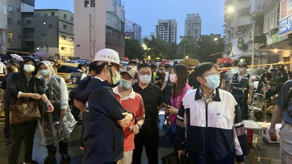 Tayvan'da 13 katlı binada korkutan yangın! Çok sayıda ölü ve yaralılar var - Sayfa 1