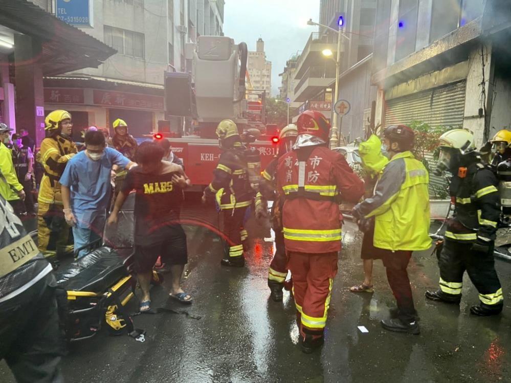 Tayvan'da 13 katlı binada korkutan yangın! Çok sayıda ölü ve yaralılar var - Sayfa 3