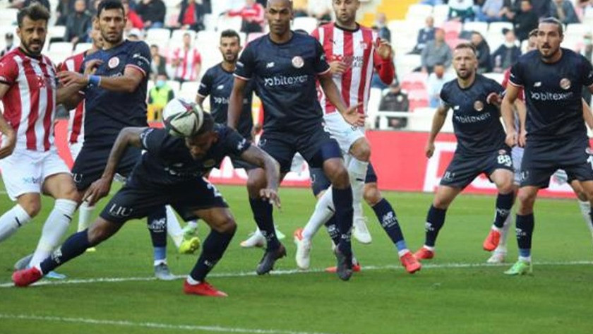 Sivasspor-Antalyaspor maçında gol yağmuru