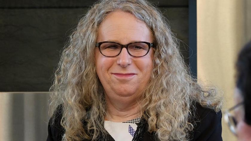 Rachel Levine ABD'nin ilk açık trans oramirali oldu