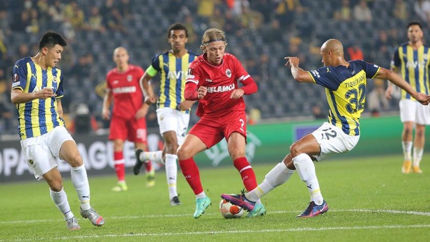 Fenerbahçe - Royal Antwerp maç sonucu: 2-2 (Maç Özeti)