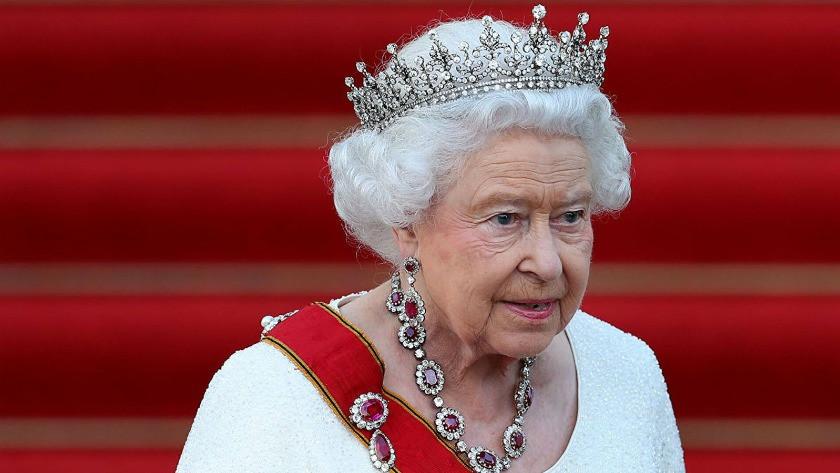 95 yaşındaki Kraliçe Elizabeth 'yılın yaşlısı' ödülünü reddetti