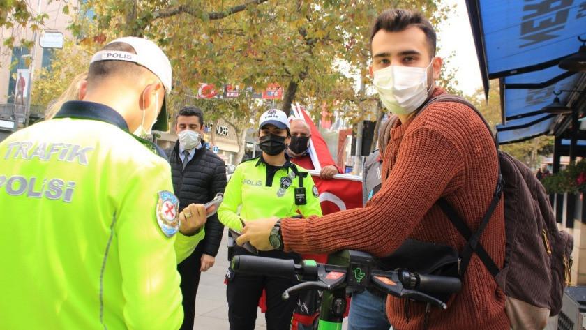 İstanbul'da kaldırımda scooter kullanan gencin tepkisi pes dedirtti