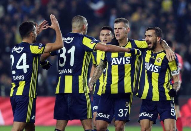 İşte Fenerbahçe'ye veda eden futbolcular - Sayfa 3