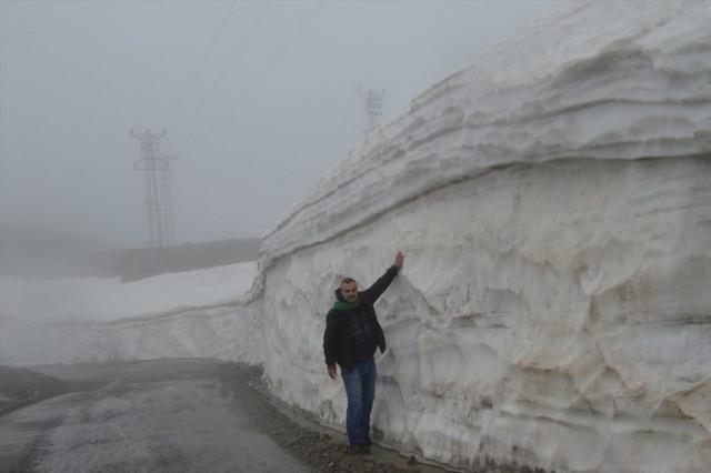 Burada Karın Kalınlığı 5 metre! Nisan ayında kar kar yağmaya devam etti! - Sayfa 1