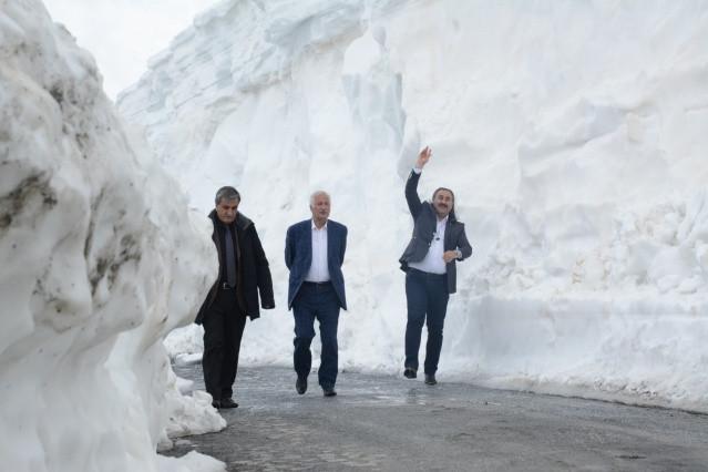 Türkiye'nin en büyük kalderasında mart ayında kar kalınlığı 8 metre! video izle - Sayfa 1
