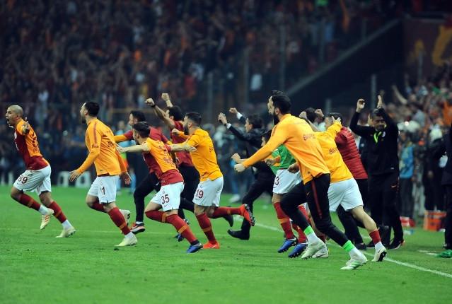 Fotoğraflarla Galatasaray'ın şampiyonluk mücadelesi - Sayfa 2