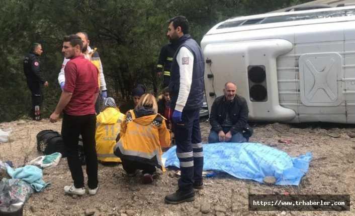 Antalya'da minibüs devrildi! Çok sayıda yaralı var