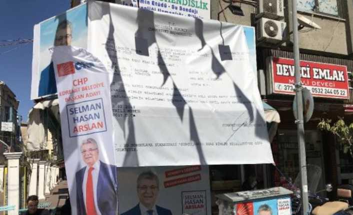 Belediye Başkan Adayı bütün kenti bu afişlerle doldurdu!